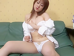 Incredible Japanese girl in Amazing Facial, Masturbation/Onanii JAV clip